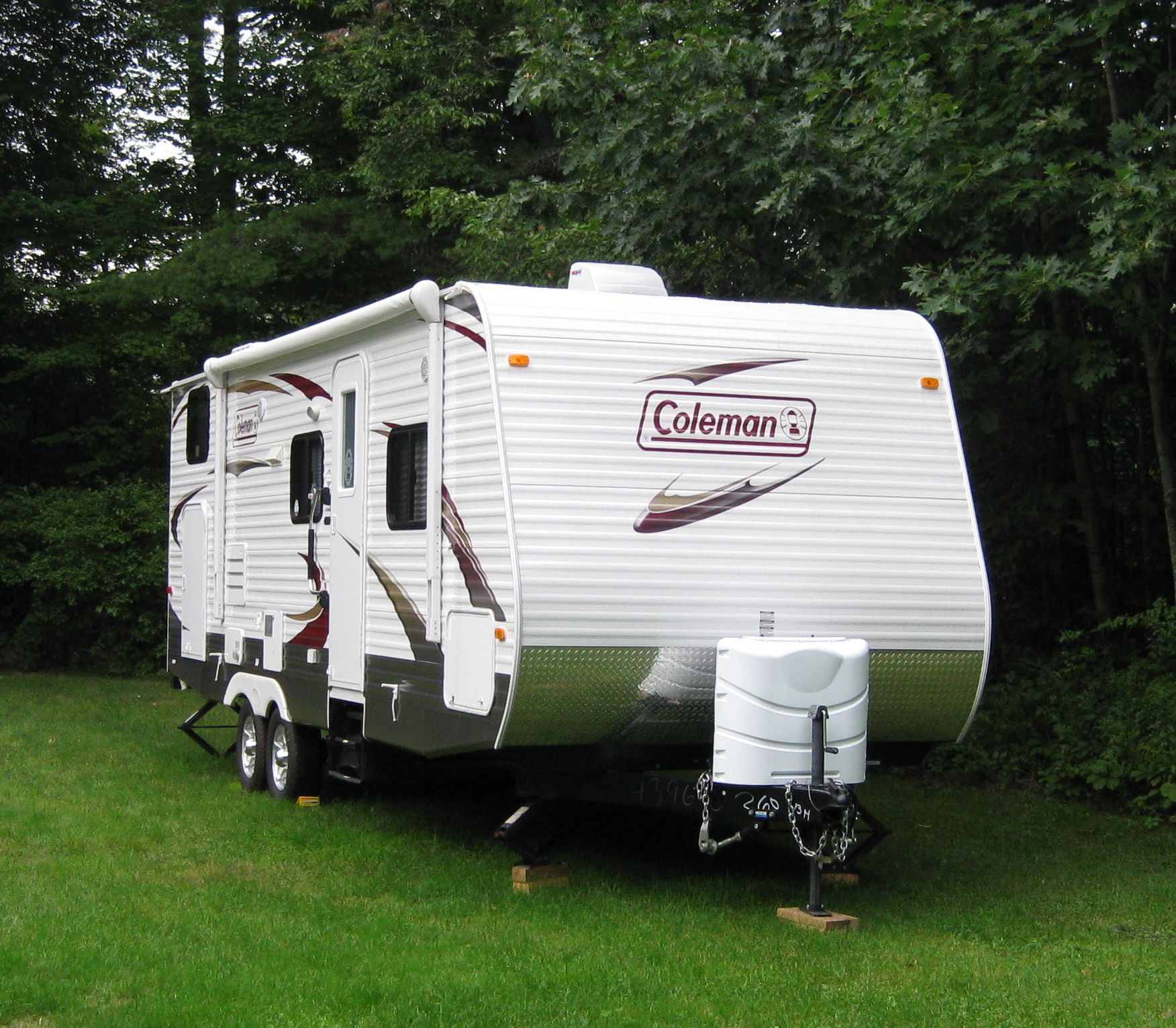 Travel Trailers With Outdoor Kitchens: Coleman Travel Trailer Model CT260