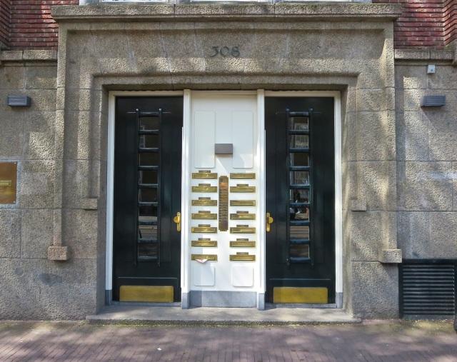 Door Amsterdam