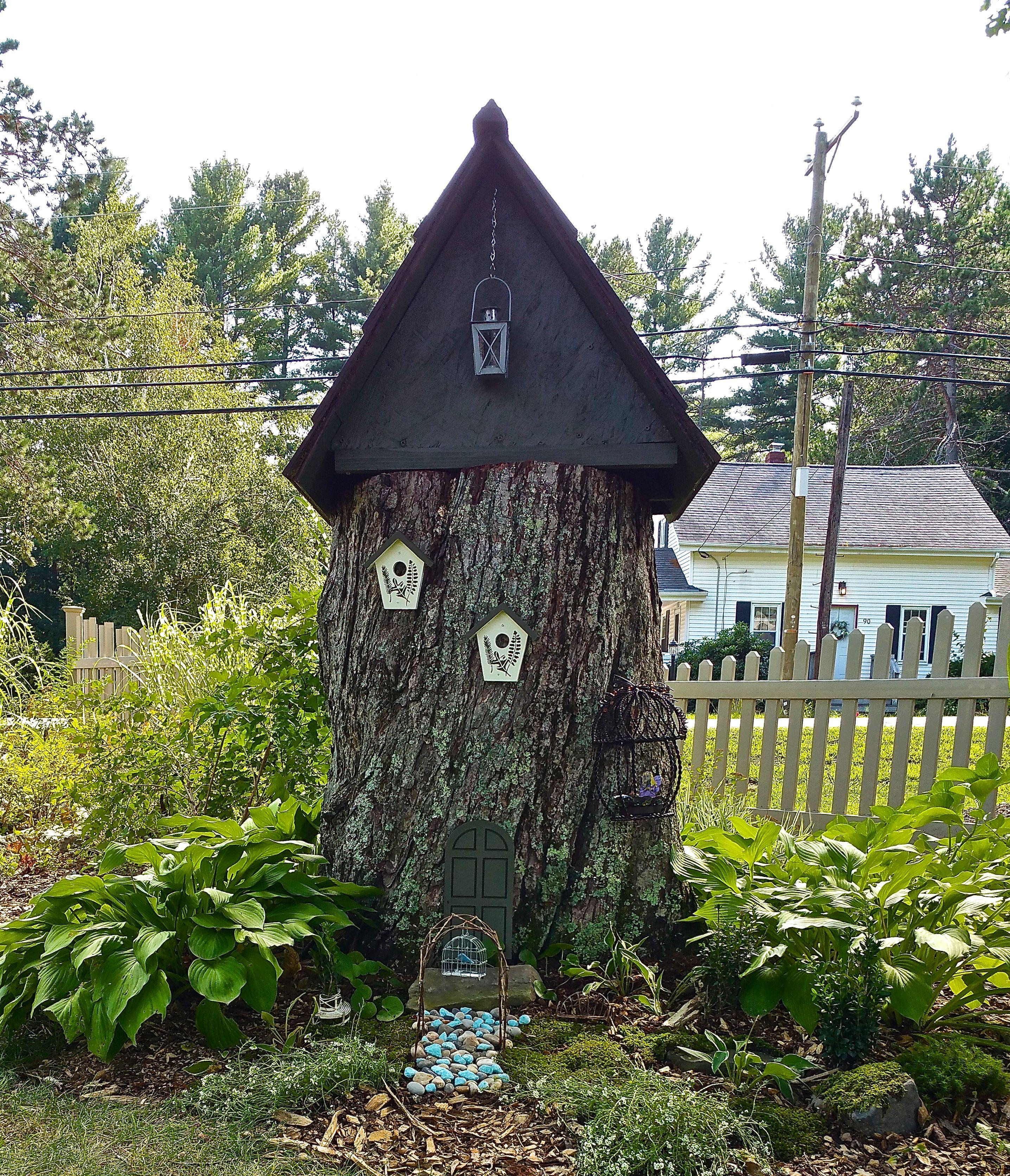 Tree stump fairy house - Fairy House